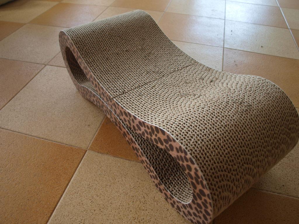 Kratzmöbel aus Wellpappe